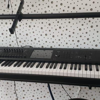 Korg KRONOS 2 88-Key + Case
