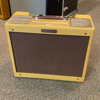 "Fender '57 Custom Deluxe 2-Channel 12-Watt 1x12"" Guitar Combo"
