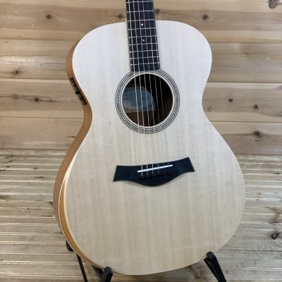 Taylor Academy 12e  Acoustic Guitar - Natural