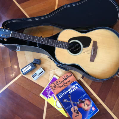 100% ORIGINAL VINTAGE 1974 APPLAUSE AA-31 NATURAL ACOUSTIC GUITAR W/ CHIP CASE, TUNER, BOOKS for sale