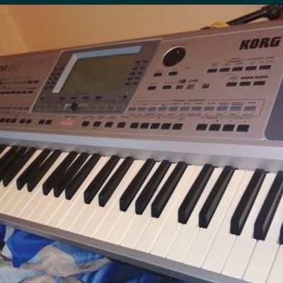 Korg PA50  2000s Silver keyboard workstation