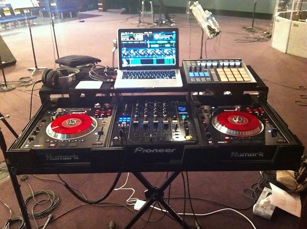 Pioneer DJM-900 Nexus & Numark V7 With Odyssey Case