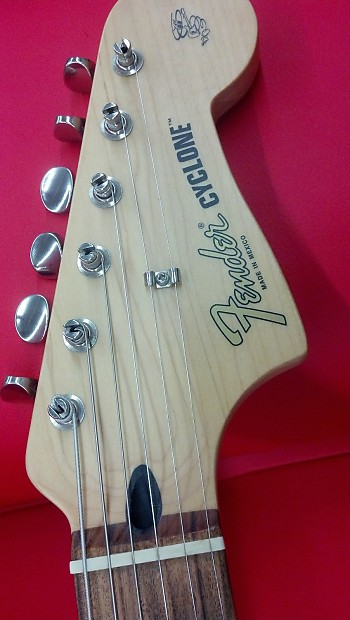 Fender cyclone 2000s red with white racing stripe reverb description shop policies the fender cyclone ii freerunsca Image collections