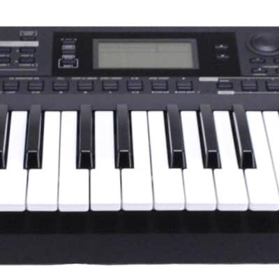 KORG i3 Music Workstation - Matte Black (O -3108)