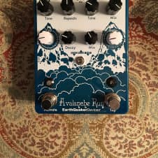EarthQuaker Devices Avalanche Run Stereo Delay & Reverb - LOW USE