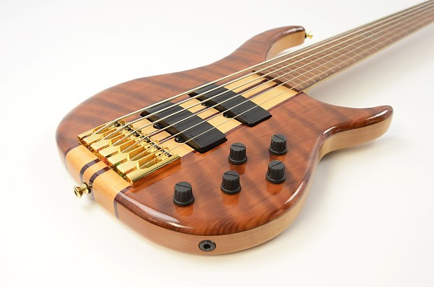 peavey cirrus 6 string fretless electric bass guitar walnut reverb. Black Bedroom Furniture Sets. Home Design Ideas
