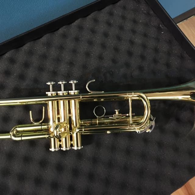 Bach TR300H2 Bb Trumpet image