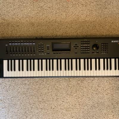 Kurzweil PC3K7 76-Key Digital Synthesizer Workstation