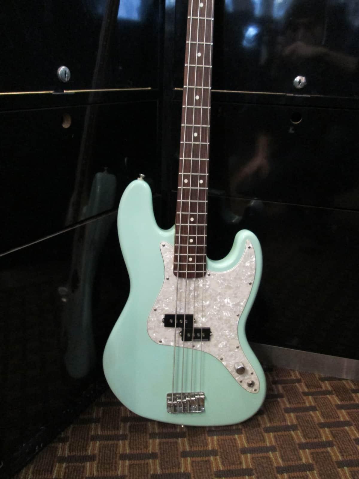 Fender Mark Hoppus Signature Precision Bass Surf Green