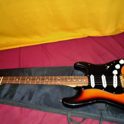 Nice 1997 - 3 Tone Sunburst California Series Stratocaster USA Electric Guitar for sale