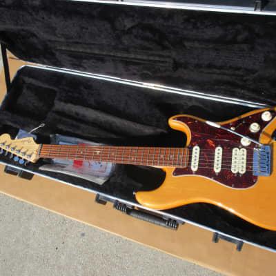 2008 Fender USA Stratocaster Deluxe Humbucker S1 Switching TSA Case Manuals