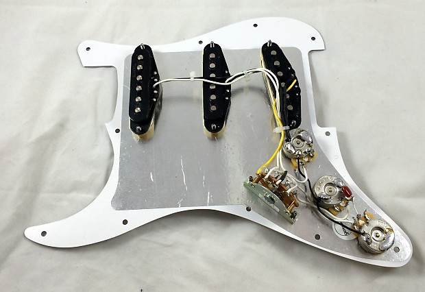 Fender Hot Noiseless Pickups Loaded Pickguard Jeff Beck