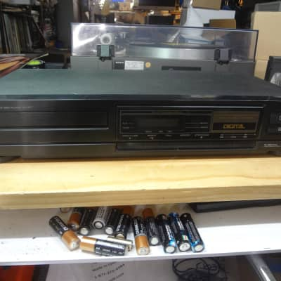 Sharp DX-677 Audio CD Player - Japan Made - Tested