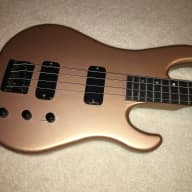 <p>Vintage 1986 Gibson IV 4-String Electric Bass with Strap &amp; OHSC</p>  for sale