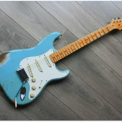Fender FENDER