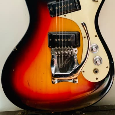 Mosrite The Ventures Model 1965 Sunburst w original case for sale