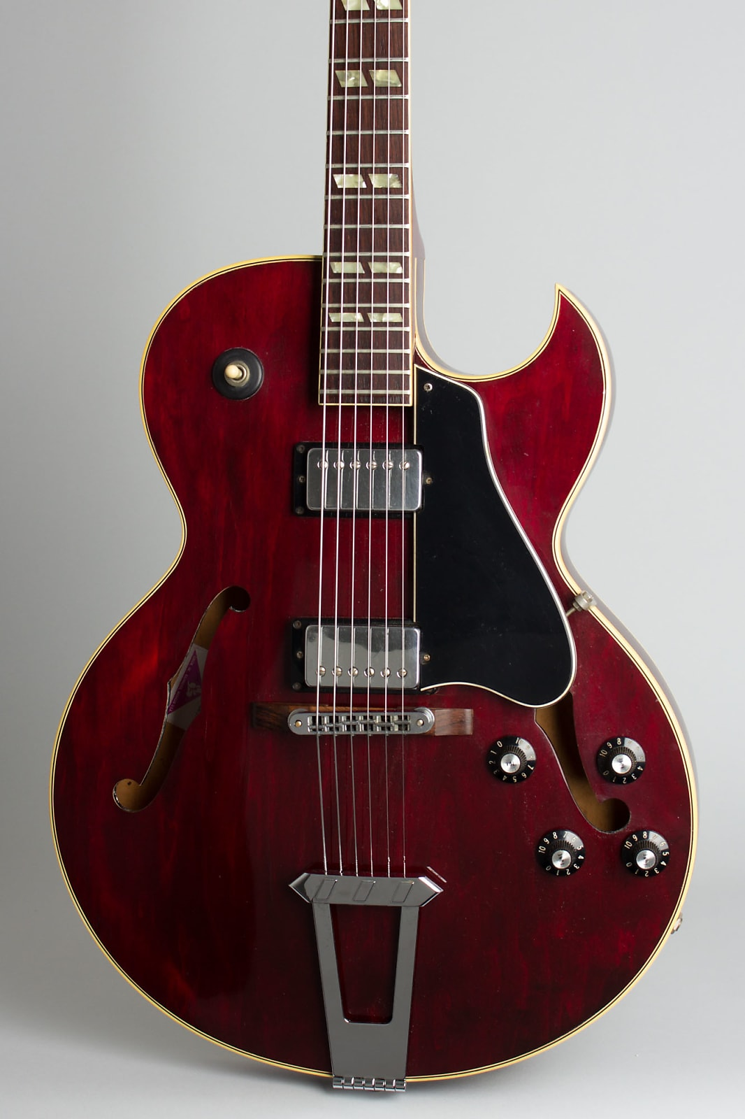 Gibson  ES-175T Arch Top Hollow Body Electric Guitar (1978), ser. #70518136, original black tolex hard shell case.