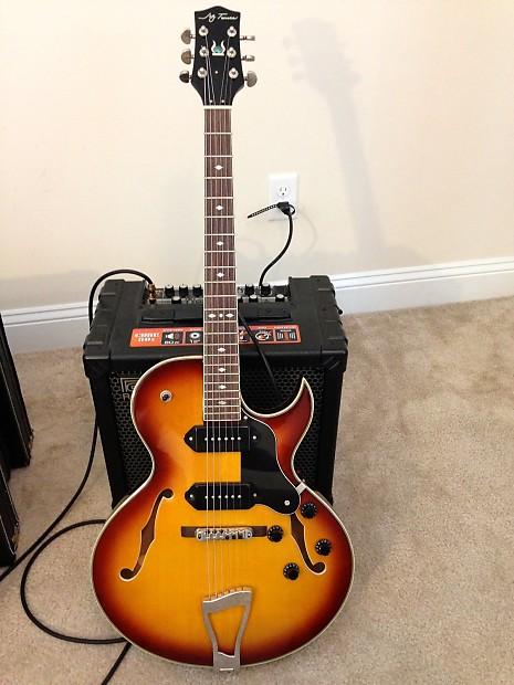 jay turser jt 139t hollowbody electric guitar w hard shell reverb. Black Bedroom Furniture Sets. Home Design Ideas