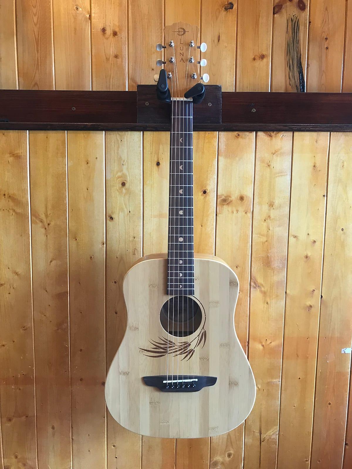 65a3f44f22 Luna Safari Bamboo Travel Guitar w/Gigbag