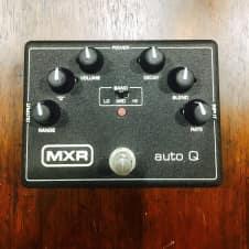 MXR Bass Auto Q M-120 Black