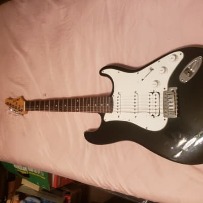 Crate Electra Stratocaster  Gloss Black for sale
