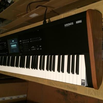 Korg KRONOS 2 88-Key Digital Synthesizer Workstation Mint ver 3.1.1 //ARMENS//.