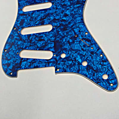 D'Andrea Pro Stratocaster Pickgaurd S/S/S 11 HOLE 4 Ply  Made in the USA Blue Pearl