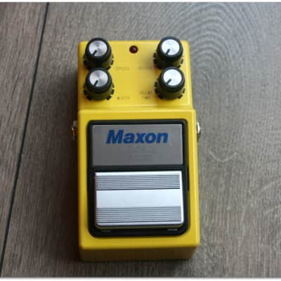 "Maxon  ""FL-9 Analog Flanger"""