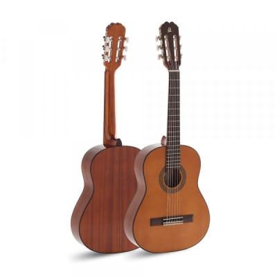Admira JUANITA 1/2 Student Series 1/2 Size Cedar Top 6-String Classical Acoustic Guitar