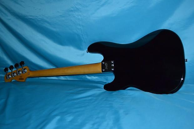 Squier Matt Freeman Precision Bass Black Finish