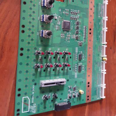 korg  triton studio 61 76 88 switch board left side