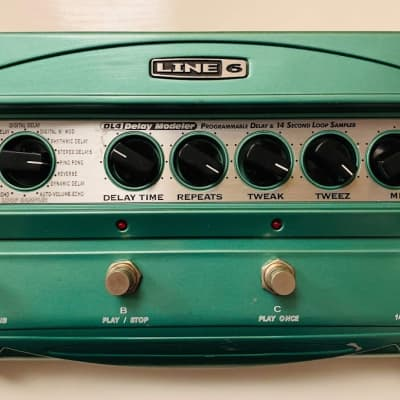 Line 6 DL4 Delay Modeler w/ power supply