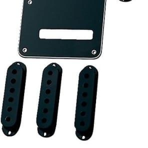Fender Stratocaster Accessory Kit