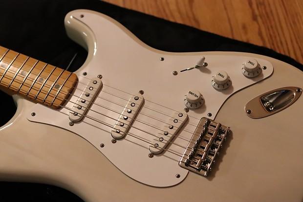 Fender Hardtail Stratocaster 1955 Reissue Bakelite White