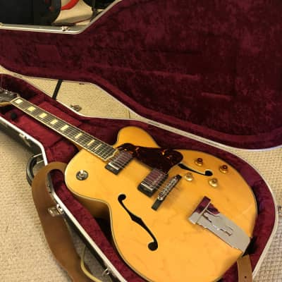 Fabulous jazz guitar for sale