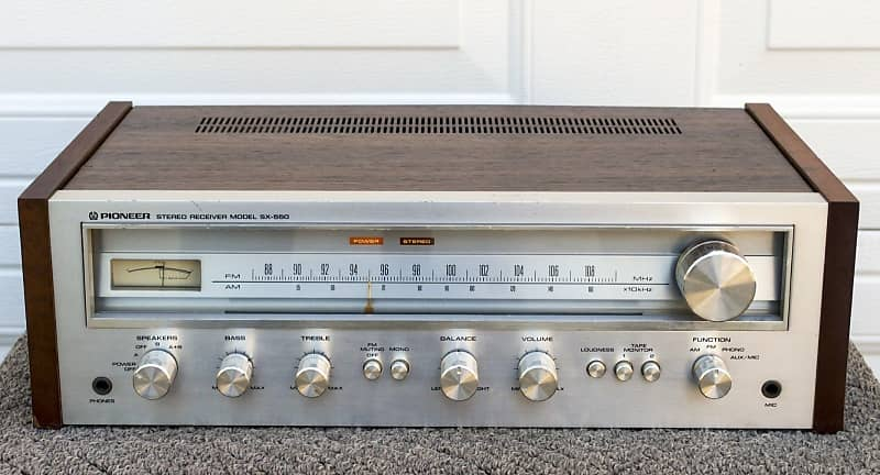 Vintage Pioneer SX 550 AM FM Stereo Receiver Parts Or Repair