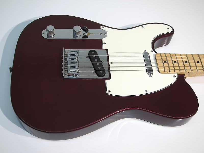 34663dd4eb8 Vintage 2003 Fender Lefty Telecaster Clean Candy Apple Red with Maple Neck  & Fender Hard Shell Case!