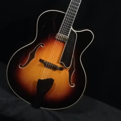 2018 Eastman 910CE Sunburst Archtop Guitar w case
