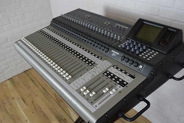 mackie tt24 digital mixing console near mint used audio reverb. Black Bedroom Furniture Sets. Home Design Ideas