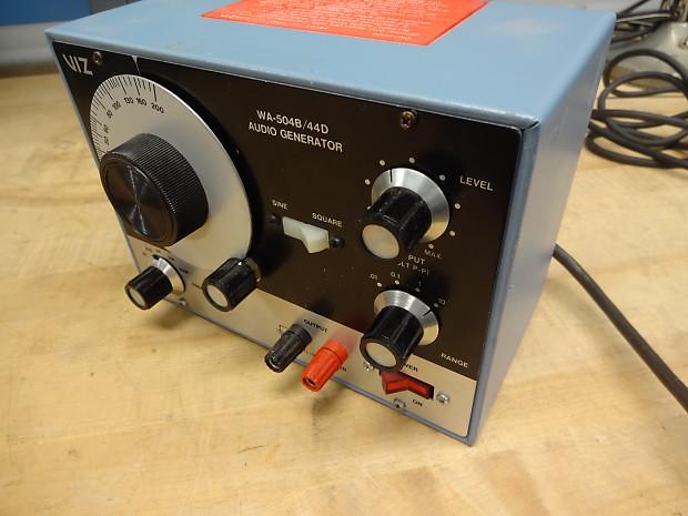 Vintage VIZ WA-504B/44D Sine square wave analog solid state audio signal  generator Radio amp repair