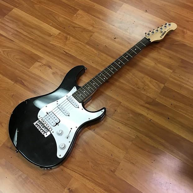yamaha eg112c electric guitar black reverb. Black Bedroom Furniture Sets. Home Design Ideas