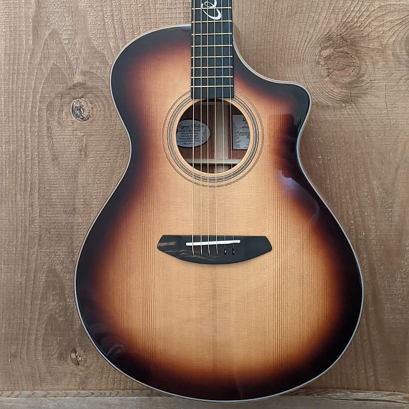 Breedlove Jeff Bridges Amazon Concert Acoustic Guitar Sunburst w/ Gig Bag