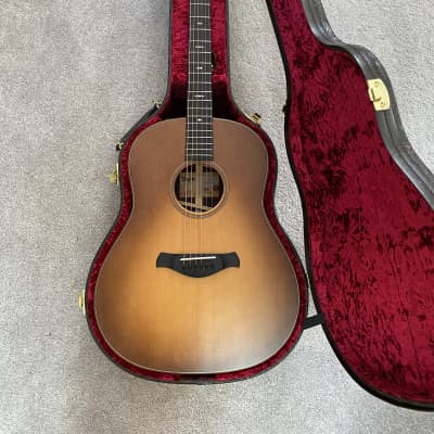Taylor Builder's Edition 717e (w/ Wild Honey Burst Finish and Special Floral Deluxe Case) 2020