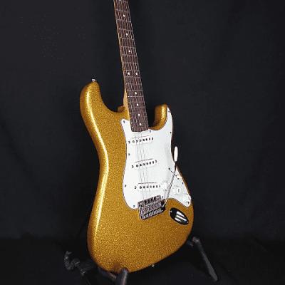 Fender FSR Classic Player '60s Stratocaster Vegas Gold Sparkle 2014