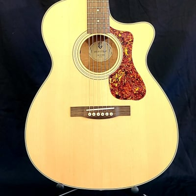 Guild Westerly Collection OM-240CE Natural