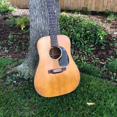 Martin D-18 1972 vintage acoustic guitar