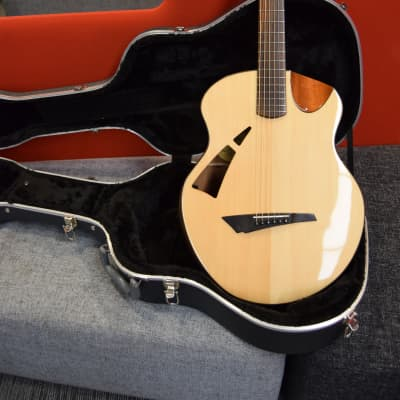 Avian 2017 Skylark Mahogany Deluxe Electro Acoustic Guitar for sale