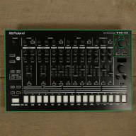 Roland Aira TR-8 Rhythm Performer MINT