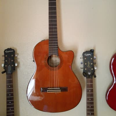 Fender Classical CG-25 SCE  Solid Spruce Top for sale