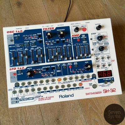Roland SH-32 virtual analog synthesizer w/ original boss PSU / new internal battery